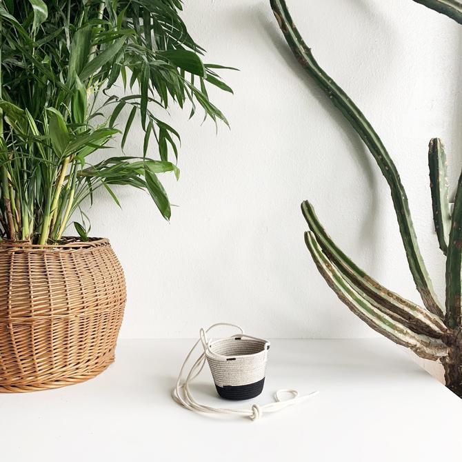 Small Hanging Planter - Liquorice