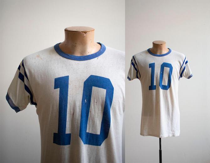Vintage 1960s Tshirt / Vintage Athletic Tshirt / Vintage Ten Tshirt / Vintage Sports Tee / 1960s Hanes Tshirt / Vintage Threadbare Tshirt by milkandice