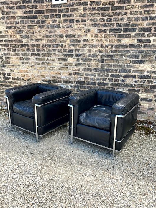 Vintage LC2 Lounge Chairs by Le Corbusier & Charlotte Perriand for Cassina, Set of 2