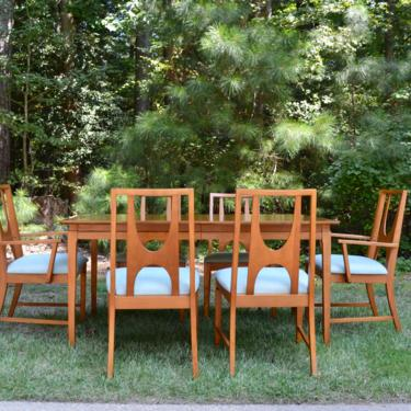 Mid Century Dining Set includes six chairs, three leaves and table pads by RossDesignCompany
