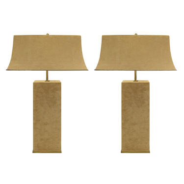 Karl Springer Elegant Pair Of Table Lamps In Brass And Beige Suede 1970s