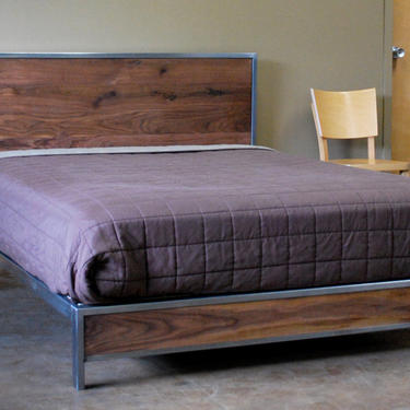 The Early Century Bed - Queen Size by deliafurniture