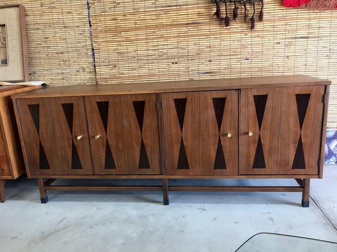 Mid Century Modern Paul Browning For Stanley Walnut Rosewood Credenza Server...Free Continental US Shipping by ModernFlamingo