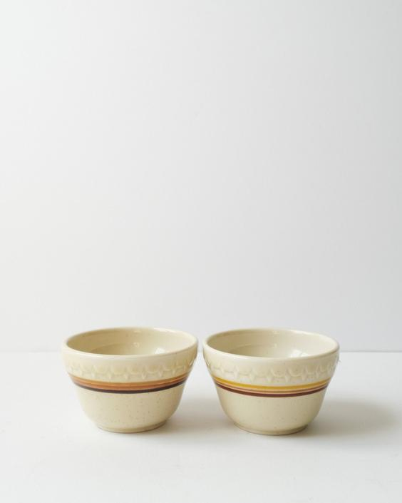 Vintage Set of Two Small Speckled Ceramic Bowls by Syracuse China by ShopLantanaLane