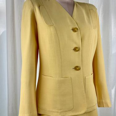 1940's Linen Suit - SACONY by PALM BEACH - Soft Yellow Fabric - Butterscotch Buttons - Collarless Jacket - Shoulder Pads - Size Medium by GabrielasVintage