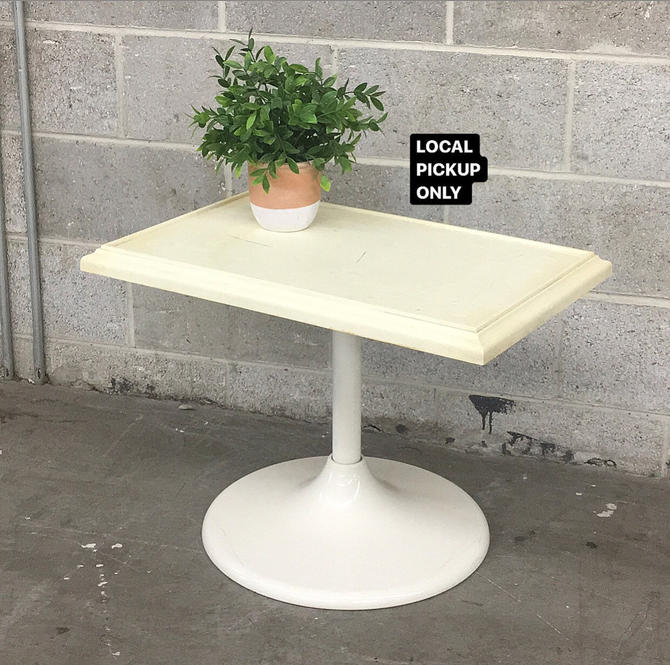 LOCAL PICKUP ONLY ———— Vintage Tulip Table by RetrospectVintage215