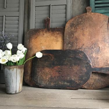 1 Wood Bread Serving Board, Charcuterie, Cheeseboard, Rustic European Farmhouse Cuisine by JansVintageStuff