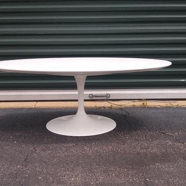Eero Saarinen for Knoll oval coffee table by CentimentalValue