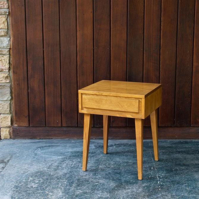 Mid-Century Nightstand Vintage Modern Minimalist Maple Single Drawer Table 1950s by BrainWashington