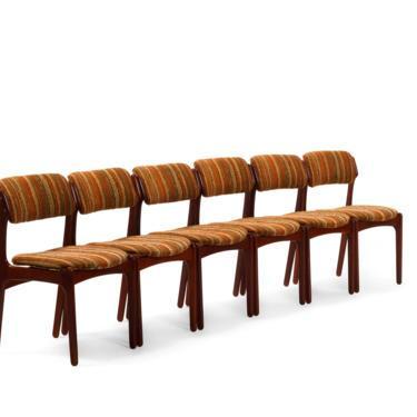Set of Six (6) Erik Buch Model 49 Dining Chairs for Oddense Maskinsnedkeri A-S in Original Knit Upholstery by ABTModern
