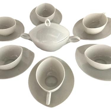 Rosenthal, Germany 1951 Deco Inspired Porcelain Oval Pattern Demi Tasse Expresso Coffee Service by Rudolf Lunghard