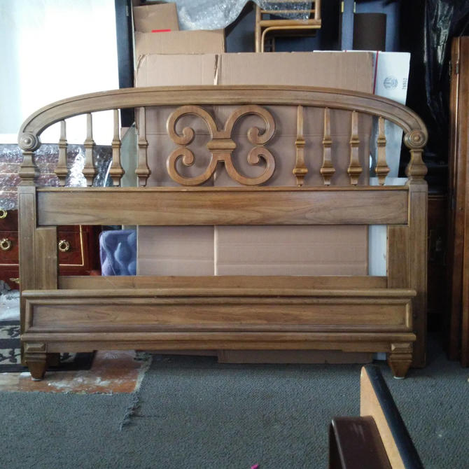 Mid Century Modern Headboard and Footboard/ Carved Honey Oak Full Size Bed by Thomasville by 3GirlsAntiques