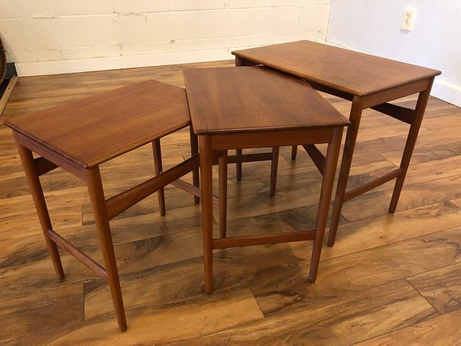 Hans Wegner Danish Teak Nesting Tables by Vintagefurnitureetc