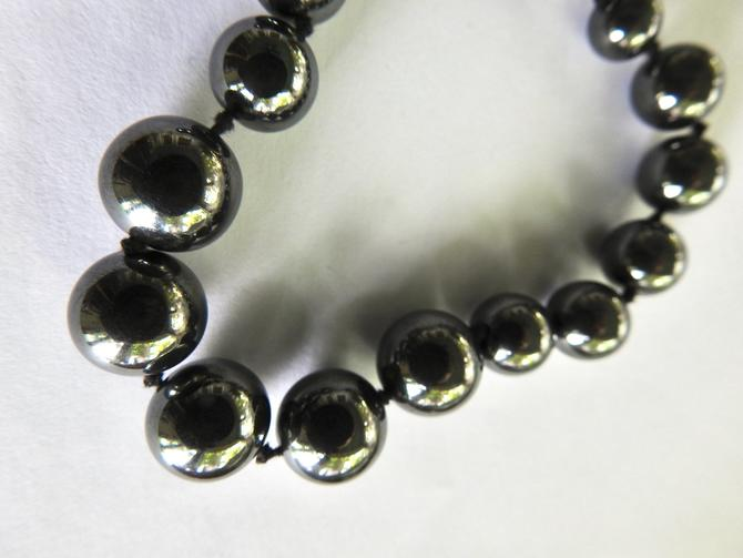 Graduated Hematite Bead Necklace by LegendaryBeast