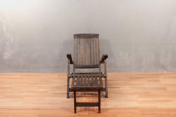 Rustic Steamer Folding Lounge Chair – ONLINE ONLY