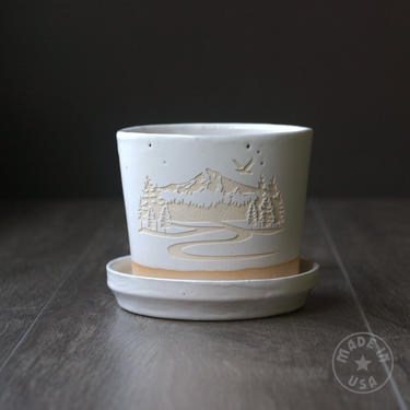 """Mountain Planter with Saucer - 4"""" plant pot with drainage in white or black by BreadandBadger"""