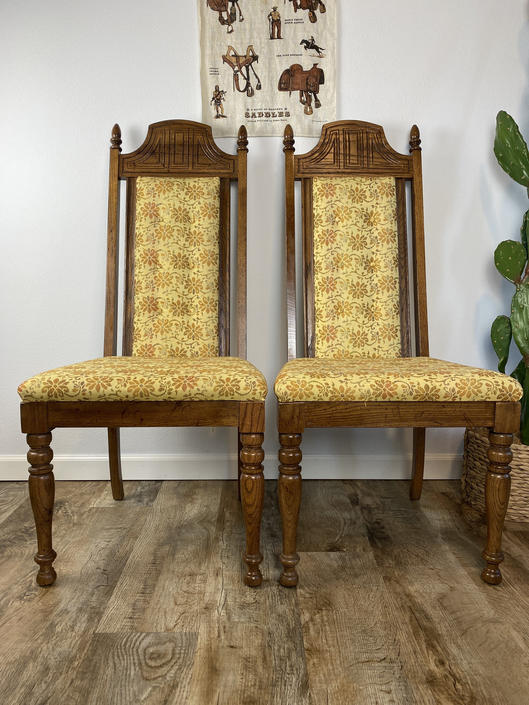 "Set of 2 Vintage 1970s ""Throne"" Style Dining Chairs by DesertCactusVintage"