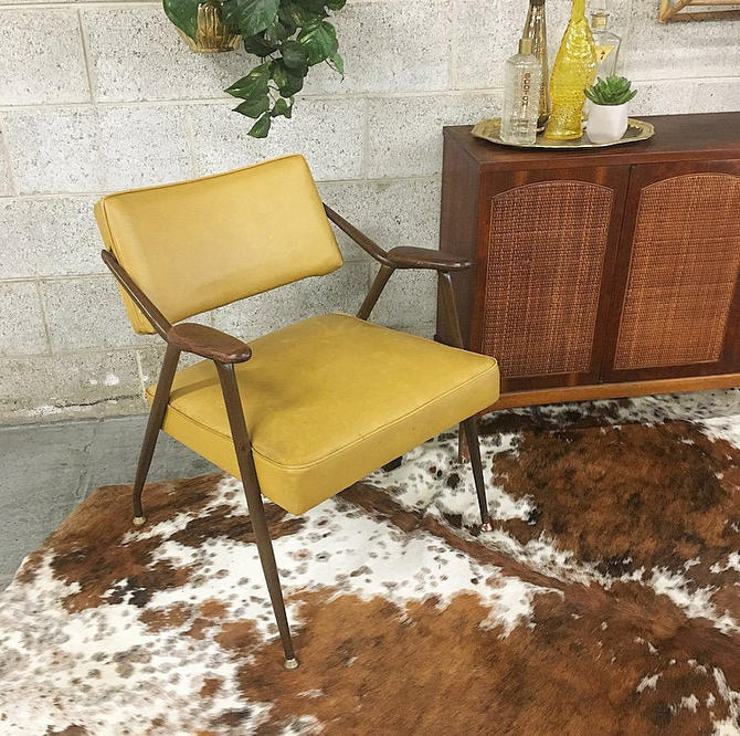 LOCAL PICKUP ONLY-----------Vintage Mid Century Chair by RetrospectVintage215