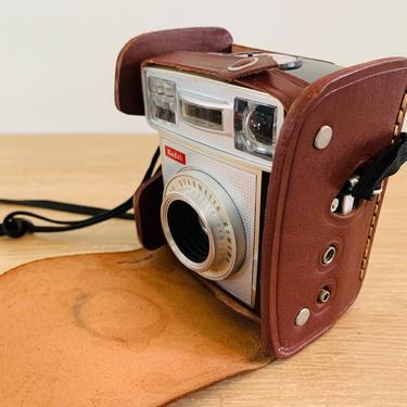 Vintage Kodak Starmatic Camera with Original Kodak Starmatic Leather Field Case by DelveChicago