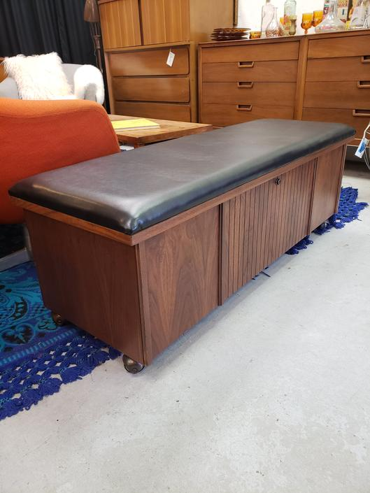 Lane Mid-century Modern Hope Chest Bench