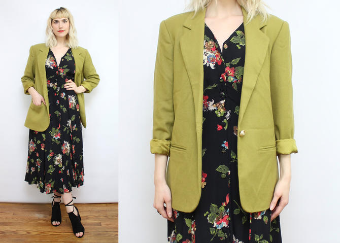 Vintage 90's Moss Green Wool Blazer / 1990's Avocado Green Blazer Jacket with Pockets / Lined / Spring / Women's Size Medium by RubyThreadsVintage