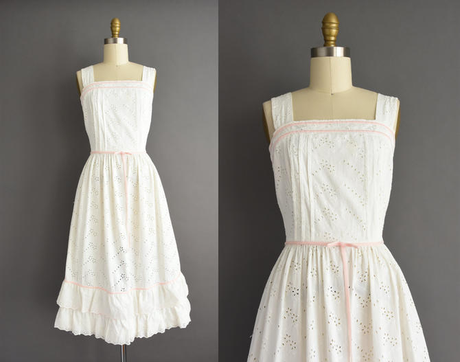 vintage 1950s | Gorgeous White Floral Eyelet cotton Summer Sun Dress | XS | 50s dress by simplicityisbliss