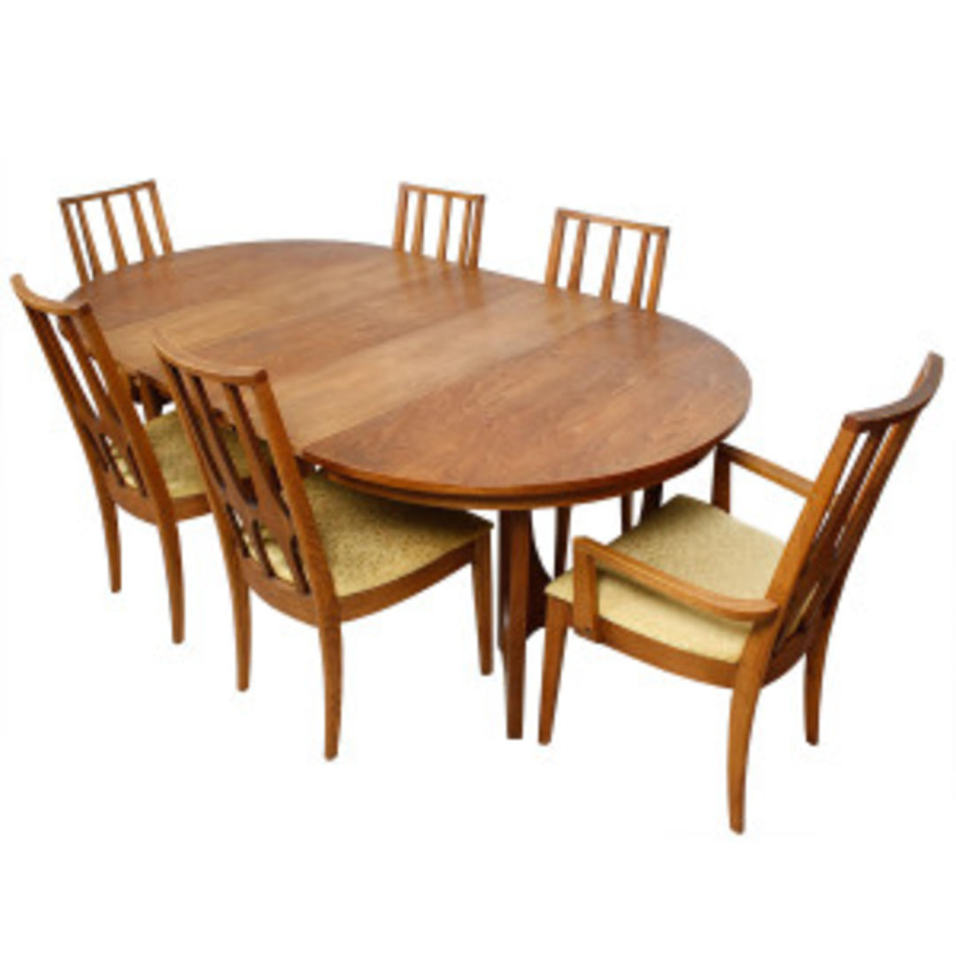 broyhill brasilia round to oval walnut expanding dining table set w 6 chairs from modern mobler. Black Bedroom Furniture Sets. Home Design Ideas