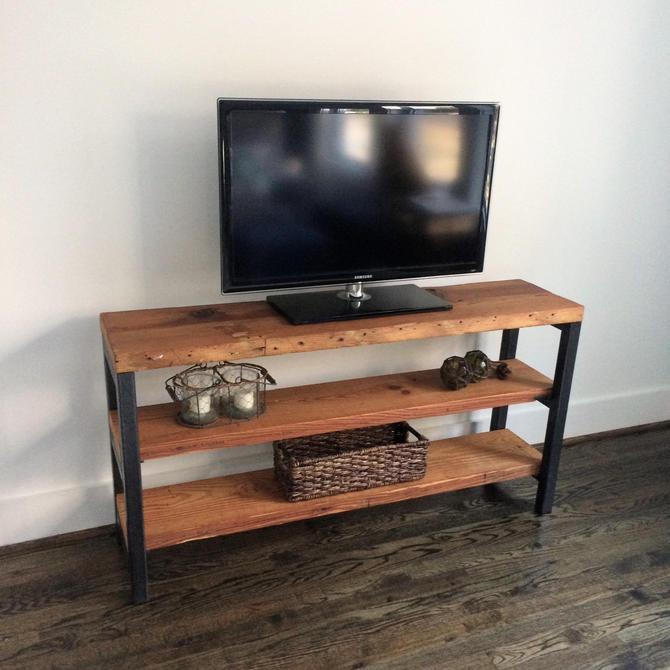 The BRADBURY Reclaimed Wood Media Unit by arcandtimber