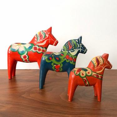 Vintage Hand-painted Swedish Dala Horses by Nils Olsson * Set of 3 by TheThriftyScout