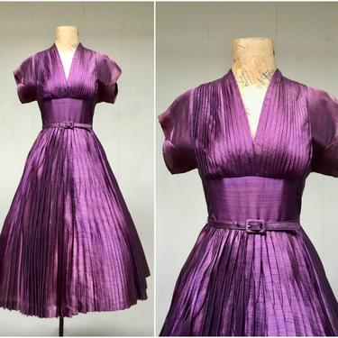"""Vintage 1950s Iridescent Purple Full Skirt Party Dress, 50s Perma-pleated Rockabilly Pin-Up Style, New Look Frock, Extra Small 33"""" Bust by RanchQueenVintage"""