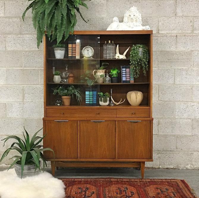 LOCAL PICKUP ONLY -------------- Vintage mcm Cabinet by RetrospectVintage215
