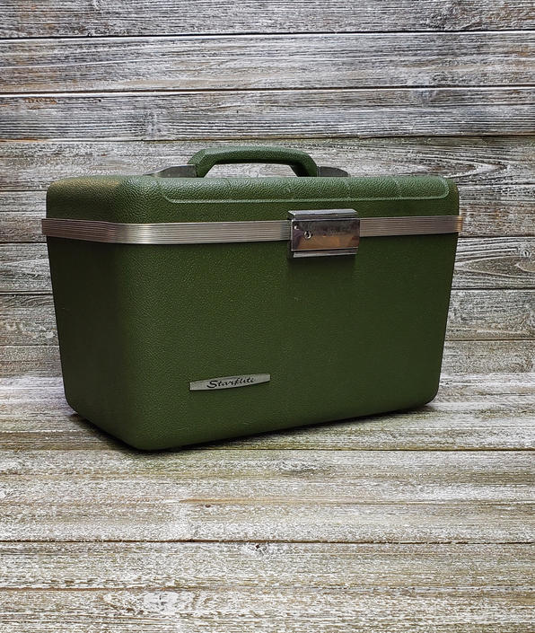Vintage Starflite Train Case, Green Lightweight Suitcase + Working KEY, 1960s Train Case, Mid Century Overnight Travel Case, Vintage Luggage by AGoGoVintage