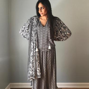 Vintage Diane Freis Black & White Silky Dress by SpeakVintageDC