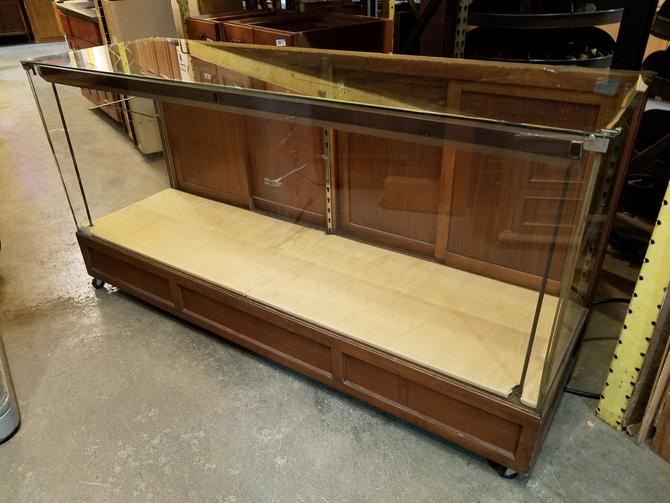 Vintage Illuminated Retail Display Case