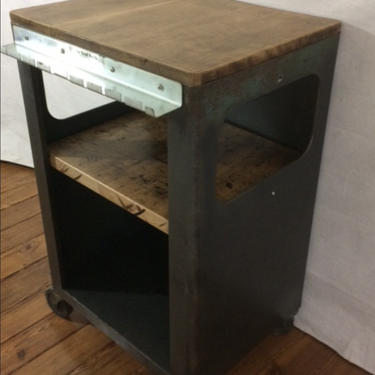Vintage Industrial repurposed, recycled metal and wood, Mobil kitchen cabinet, wine bar . by SouliDesign