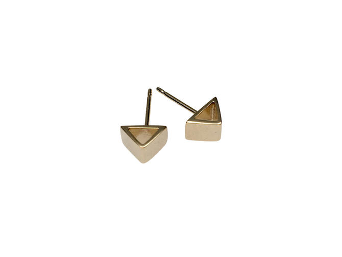 Gold geo studs Gold geometric earrings, Gold stud earrings, Triangle earrings, simple studs by SarahCecelia