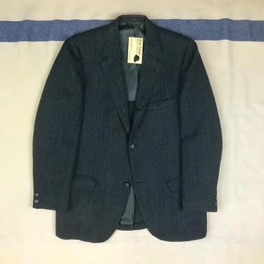 Size 37/38 Vintage 1960s Blue Green Herringbone Wool Tweed 3 Roll 2 Ivy Trad Sport Coat w/ Hooked Vent by BriarVintage
