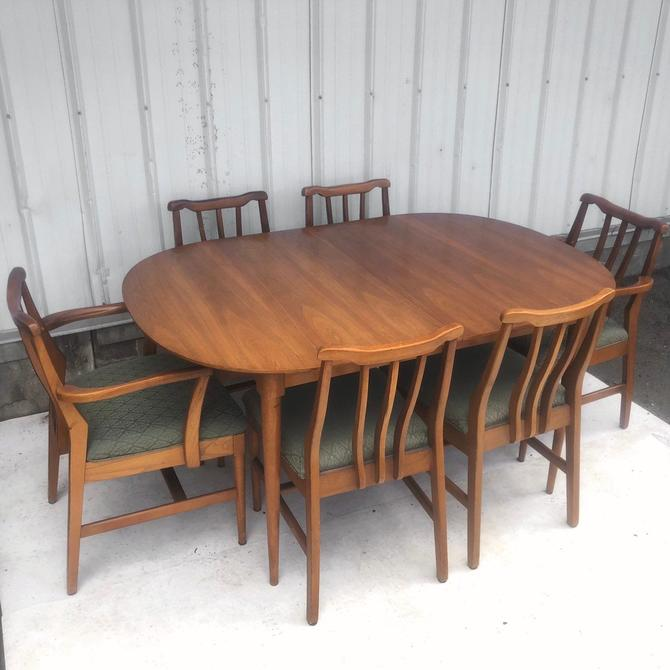 Mid-Century Modern Dining Room Set w/ Six Chairs by secondhandstory