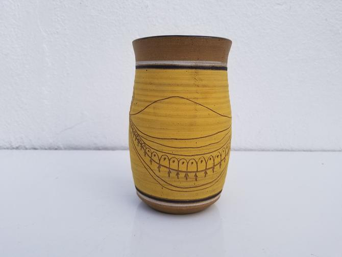 1975  Signed  Studio Pottery  Vase . by MIAMIVINTAGEDECOR