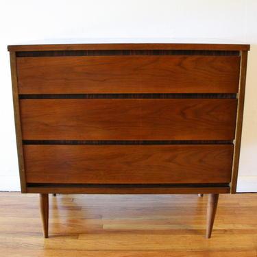 Mid Century Modern Bassett Bachelor Chest Dresser