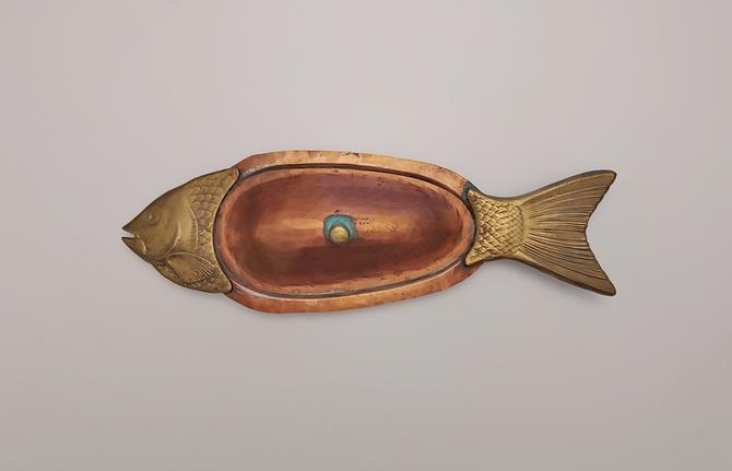 Vintage Hammered Copper Brass Aluminum Fish Serving Dish by ModandOzzie