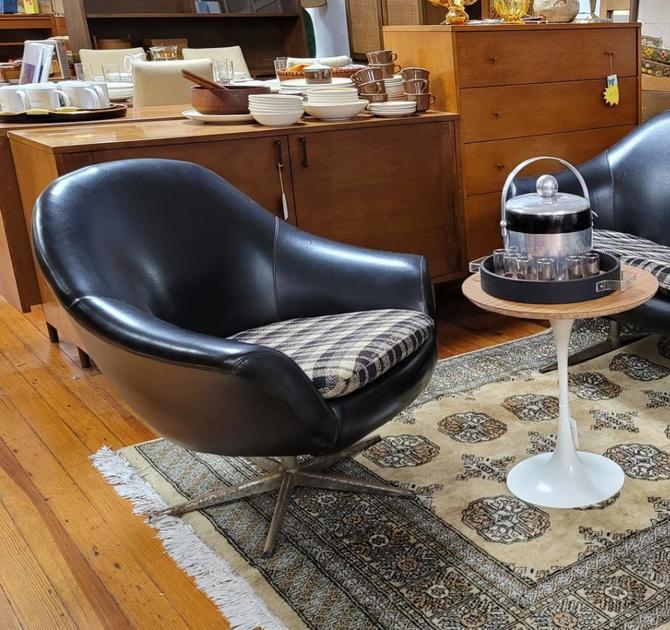 Overman Pod Chair