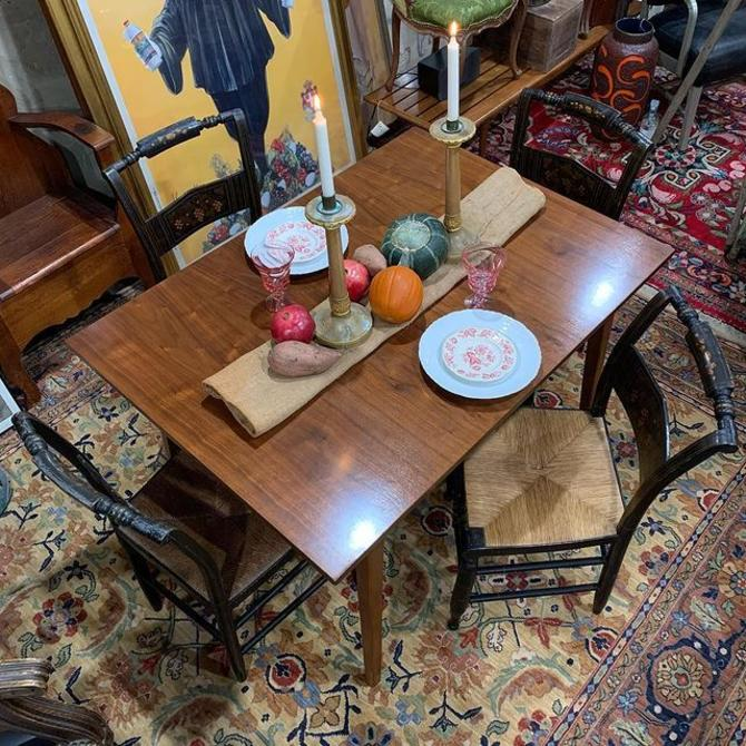 SOLD. Mid-century modern dining table with traditional rush bottom Hitchcock chairs