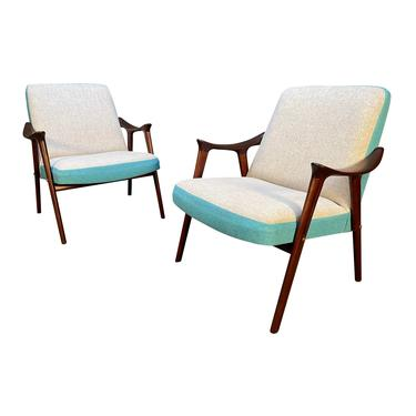"Pair of Vintage Mid Century Modern ""Klarinett"" Lounge Chairs by Møre Lenestol Fabrikk A/S by AymerickModern"