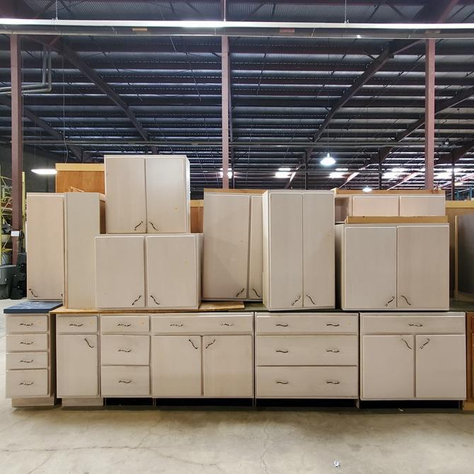 KraftMaid Flat Panel White Washed Cabinets