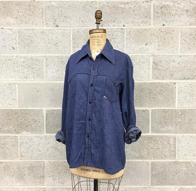 Vintage Button-down Retro 1970s GWG Union Made + Size XL + Pre-Shrunk + Chambray  + Cotton + Long Sleeve + Pointed Collar + Unisex Apparel by RetrospectVintage215