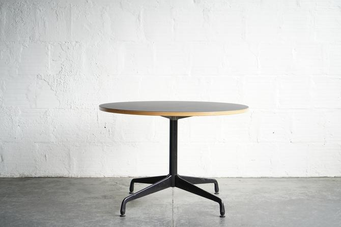 TGM Forbo Dining Table