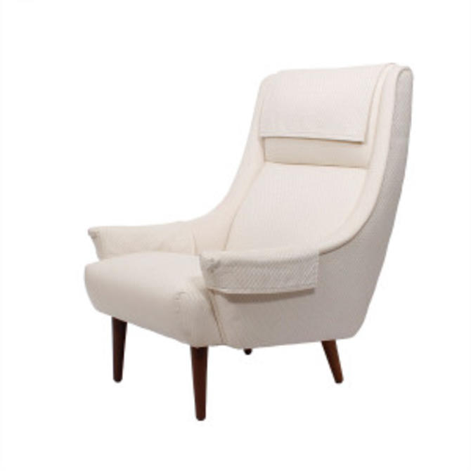 Voluptuous Lounge Chair by Selig