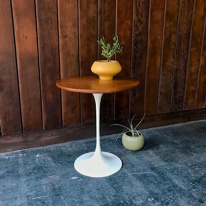 1970s Burke Tulip Side Table in the Knoll Saarinen Mid-Century Modern Vintage Cherry Top by BrainWashington