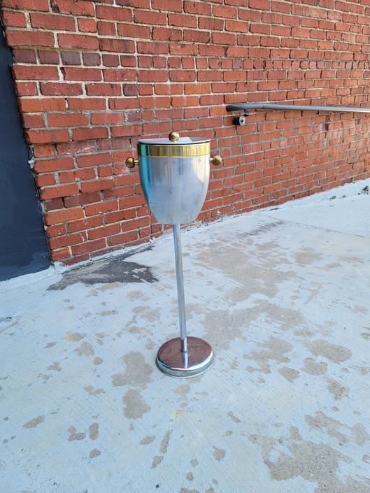 Atomic Style Mid Mod Ice Bucket in Stand